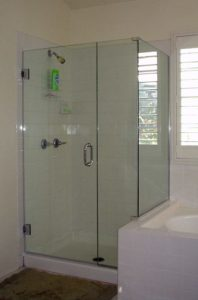 shower enclosure with step up