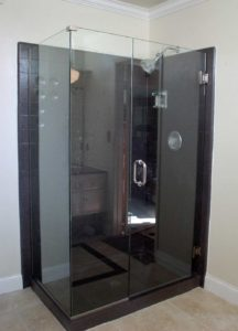shower enclosure, black surraund